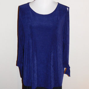 3 Travelers by Chicos Purple Slinky Stretch Top